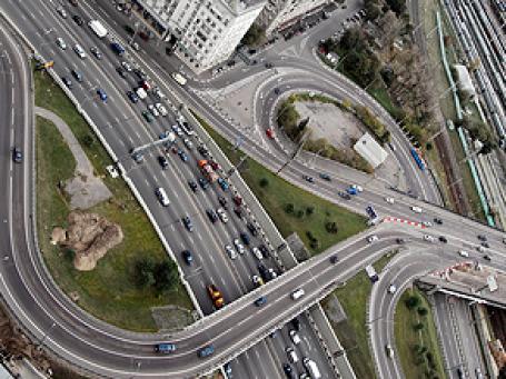 Сейчас в столице не хватает примерно 450 км магистралей. Фото: GELIO/flickr.com