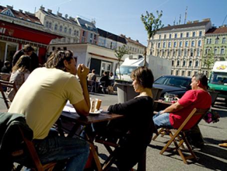Вена с ее знаменитыми кафе признана самым удобным городом для жизни. Фото: HERRUWE/flickr.com