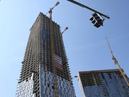 «Дом на Мосфильмовской» может стать на 22 этажа короче. Фото: РИА Новости