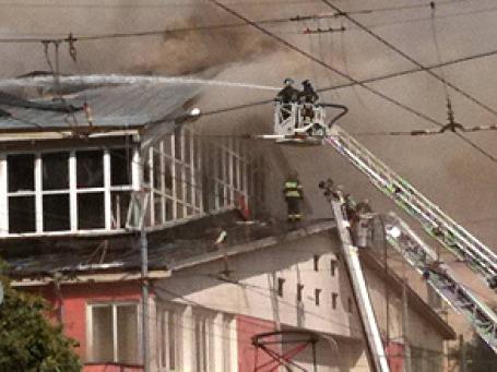 Пожар на улице Радио. Фото: Илья Рудерман/BFM.ru