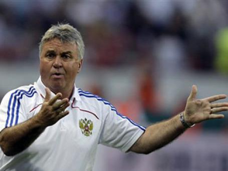 Сегодня официально заканчивается контракт Гуса Хиддинга. Деньги от Российского футбольного союза он так и не получил. Фото: AP