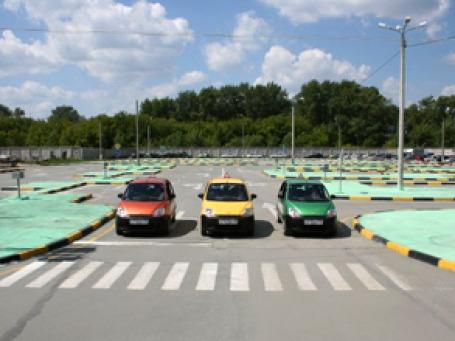 Автоматизированный автодром в автошколе Челябинска. Фото:  kafs.ru