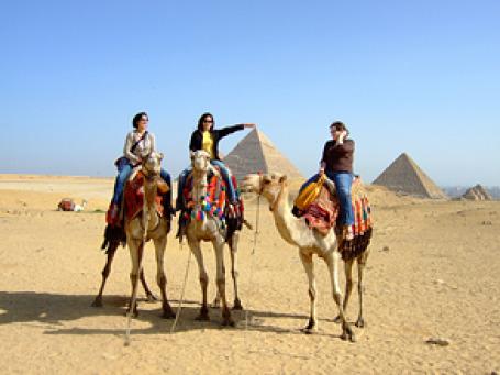 Так вот почему россияне так полюбили Египет! Под налетом восточной экзотики они обнаруживают до боли знакомые черты отечественной действительности. Фото: yosoynuts/flickr.com