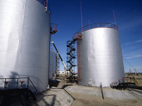Уже принято решение о продаже ряда нефтяных месторождений. Фото: РИА Новости