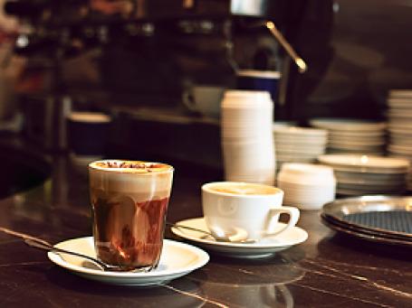 Рост мировых цен на кофе, чай и какао пока не сказался на розничных ценах в российских кафе. Фото: sachman75/flickr.com