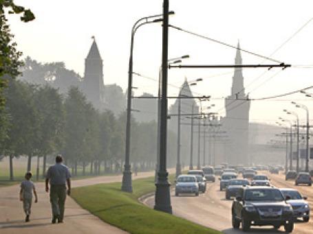 К середине 2010 года парк легковых автомобилей в РФ увеличился до 33,8 млн. единиц и теперь на каждую тысячу россиян приходится 238 автомобилей. Фото: Григорий Собченко/BFM.ru