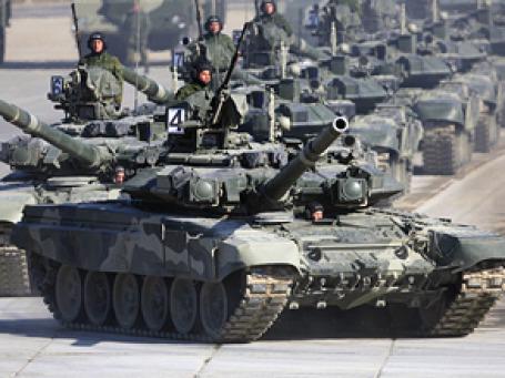 Объем средств, потраченных в России на оборону в кризисном 2009 году, в рублях не уменьшился, снизившись только в долларовом выражении почти на 3 млрд. Фото: РИА Новости