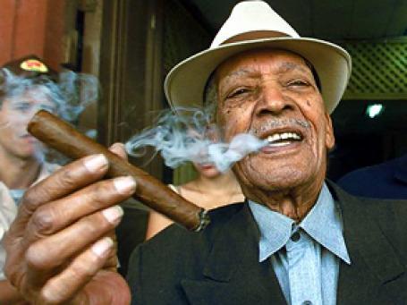 Сигары теперь станут недоступны рядовому кубинцу. Фото: AP
