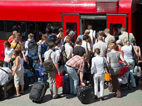 73% экономически активных россиян, если бы имели возможность жить в любой стране мира, покинули бы Родину. Фото: РИА Новости