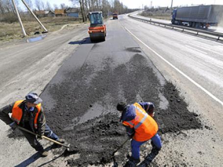 Проблема с плохими дорогами будет решена в России в течение ближайших десяти лет, пообещал глава Минфина Алексей Кудрин. Фото: РИА Новости