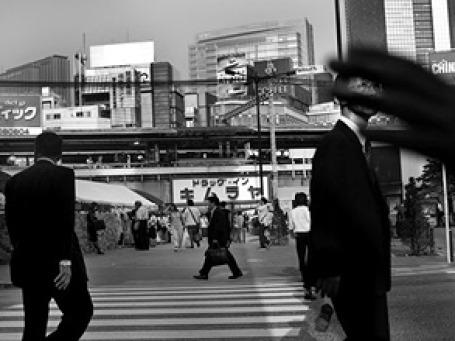 Самоубийства и депрессии обходятся экономике Японии почти в 32 млрд долларов в год. Фото: AP