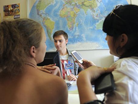 Соискатели работы в Екатеринбурге, Москве и Санкт-Петербурге особенно любят приукрашивать свою профессиональную биографию. Фото: РИА Новости