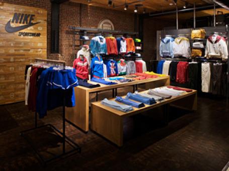 Главный магазин компании Nike на 57-ой улице в Нью-Йорке пришлось закрыть на неопределенный срок из-за заражения здания клопами. Фото: laughingmonk/flickr.com