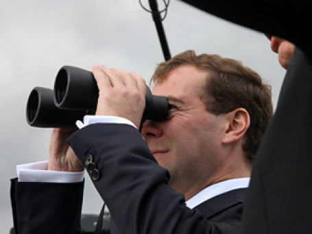 Дмитрий Медведев начал избирательную кампанию с отставки Лужкова. Фото: РИА Новости