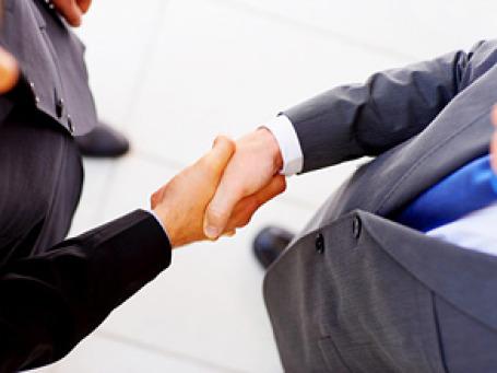 Столичные чиновники недоумевают: деньги на поддержку малого бизнеса есть, а бизнесмены в очередь не выстраиваются. С чего бы? Фото: PhotoXpress