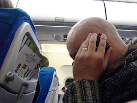 На высоте 10,5 тысяч метров над землей становится очень шумно. Фото: IK's World Trip/flickr.com