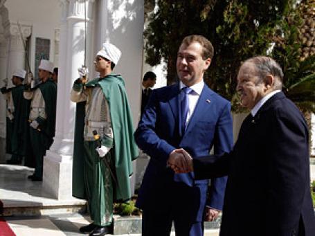 Дмитрий Медведев и президент Алжира Абдельазиз Бутефлика. Фото: РИА Новости