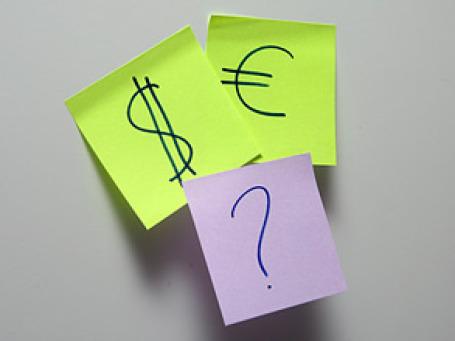 На валютном рынке продолжается обвал доллара. Фото: Григорий Собченко/BFM.ru