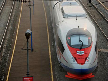 Скоростные поезда «Сапсан» стали причиной гибели нескольких человек между Москвой и Петербургом. Фото: РИА Новости