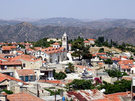 Вывод Кипра из «черного списка» Минфина мог спровоцировать скачок цен на недвижимость. Фото: khowaga1/flickr.com