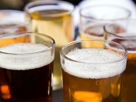 Депутаты смешали пиво с  водкой. Фото: Daveybot/flickr.com