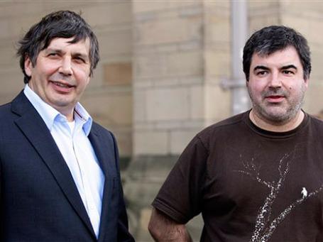 Выходцы из России Андрей Гейм и Константин Новоселов получили Нобелевскую премию по физике. Фото: AP