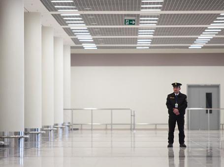 Практика ограничения выезда за границу должников достаточно распространена в России. Фото: Антон Белицкий/antonb.ru