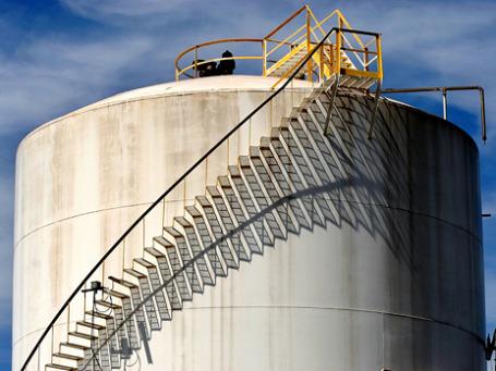 Решение ФРС США заставило нефть дорожать. Фото: arbyreed/flickr.com