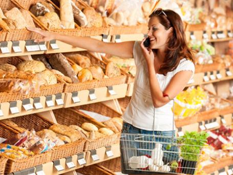 Покупатели «Перекрестка» или «Карусели» смогут переводить в минуты и смс баллы, полученные за совершение покупок. Фото: PhotoXpress
