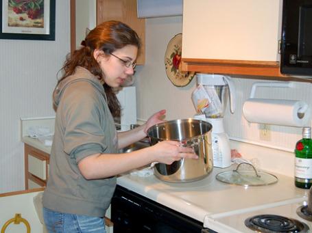 Основная функция женщины — быть хорошей женой, матерью и домохозяйкой, убеждено большинство итальянцев. Работа за пределами дома в эту схему не вписывается. Фото: nmalaguti/flickr.com