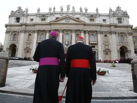 Папа Бенедикт XVI в субботу объявит о назначении в коллегию кардиналов еще 24-х человек, усилив в ней итальянское присутствие. Фото: АР