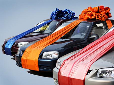 Миллиардер Клайв Палмер решил «выплатить» своим самым ценным сотрудникам 50 дорогих автомобилей  в качестве рождественского бонуса. Фото: PhotoXPress