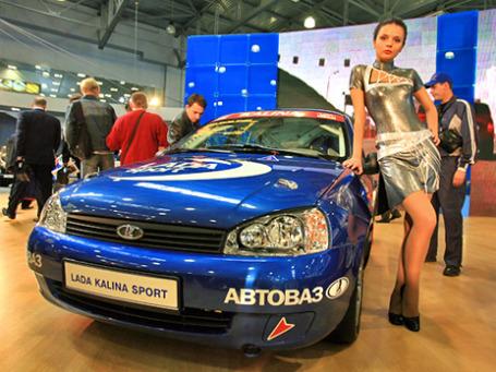 За 11 месяцев в России было реализовано 1 млн 706 тысяч 254 новых легковых и легких коммерческих автомобиля. Фото: BFM.ru