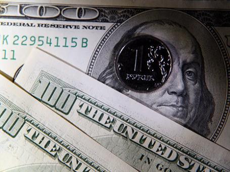 Доллар и евро в слудующем году будут, скорее всего, падать. Фото: Сергей Шахиджанян/BFM.ru