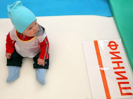Россиянки готовы рожать много детей, если будут достойные мужья, стабильность и финансовая поддержка. Фото: РИА Новости