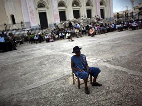 Землетрясение на Гаити, катастрофа глобального масштаба, предвосхитило последующие катаклизмы 2010 года. Фото: AP