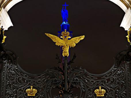 Новая подсветка Александровской колонны Петербурга. Фото предоставлено пресс-службой Philips