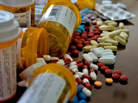 Медицинские исследования продолжат приносить прибыль фармкомпаниям. Оборот мирового рынка лекарств в 2014 году может перевалить за 1 трлн долларов. Фото: NVinacco/flickr.com