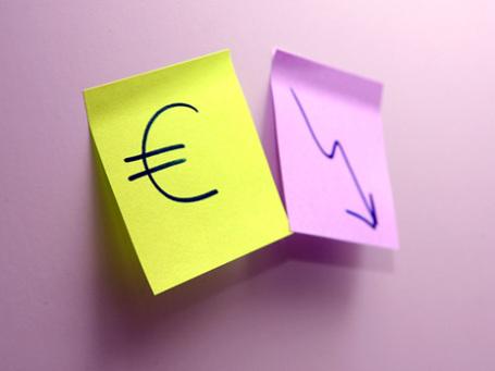 Евро теряет вес из-за проблем в Португалии. Фото: Григорий Собченко/BFM.ru