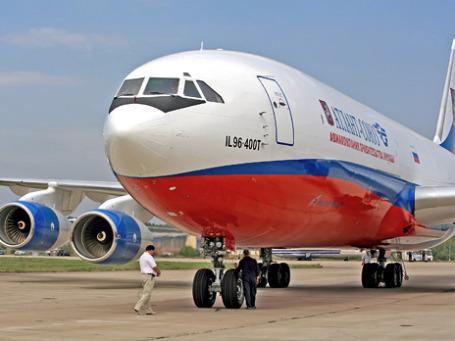 Авиакомпания «Москва» прекращает полеты с 17 января, так и не успев сменить логотип на самолетах своего парка. Фото: ИТАР-ТАСС