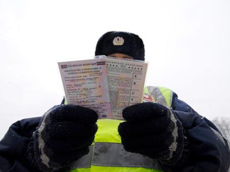 По просьбе прокуратуры суды изымают водительские права у тех, кто страдает алколизмом и наркоманией. Фото: РИА Новости