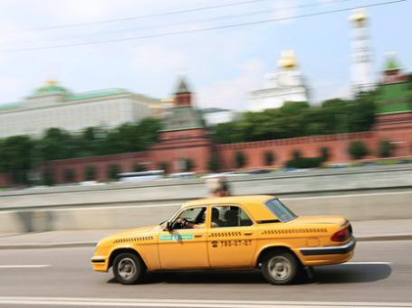 Московское городское такси пока проигрывает ценовую войну частным извозчикам. Фото: РИА Новости