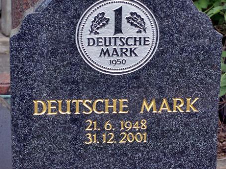 Возврата к немецкой марке не будет, категорично пообещала Ангела Меркель. Фото: steffenz/flickr.com