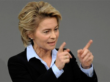 Министр труда ФРГ Урсула фон дер Лайен обещает вынудить компании довести  долю женщин в топ-менеджменте до 25-30%. Фото: АР