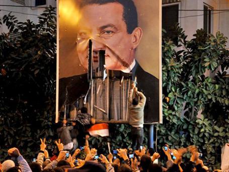 Полиция Египта пока проявляет сдержанность при разгоне антиправительственных демонстраций. Фото: AP