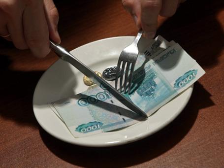 Потребительские цены в России растут быстрее доходов. Поэтому зарплаты «распиливаются» быстрее, чем раньше. Фото: Григорий Собченко/BFM.ru