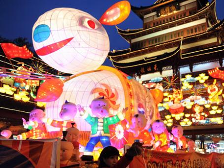 Китай охвачен потребительской лихорадкой и праздничным настроением — 3 февраля начнется Новый год по лунному календарю. Фото: ИТАР-ТАСС