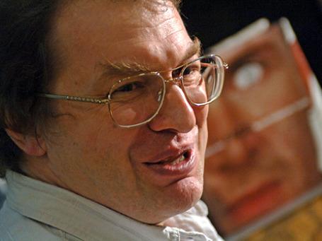 Сергей Мавроди собирается выйти в прямой эфир и предоставить такую возможность всем желающим. Фото: РИА Новости