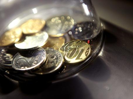 Россияне по привычке хранят деньги в банках. Фото: Григорий Собченко/BFM.ru