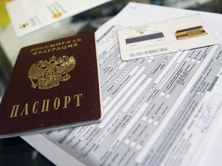 Если в закон внесут поправки, покупателей сим-карт и мобильных телефонов будут проверять очень тщательно. Фото: РИА Новости
